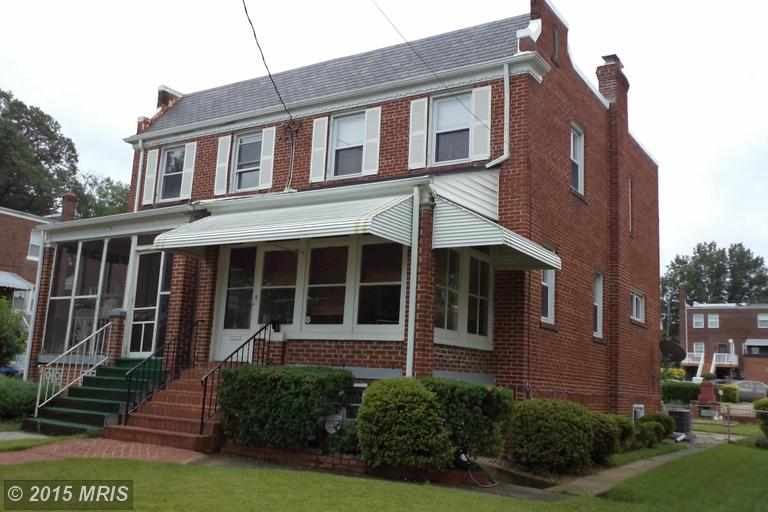 1051 Crittenden St NE  3br, 2baths  1,152sqft  asking $454,000