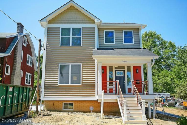 2608 Myrtle Ave NE Sold for $695,000 August 11, 2015